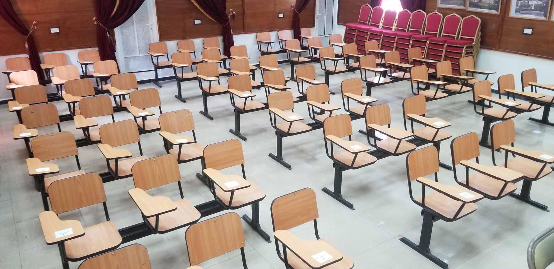 القاعات الدراسية جامعة جبلة